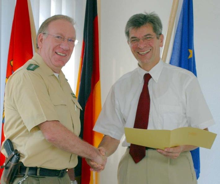 POL-SHDD: Ober-Ramstadt: Polizeihauptkommissar Thomas-Edward Grennigloh vierzig Jahre im Polizeidienst
