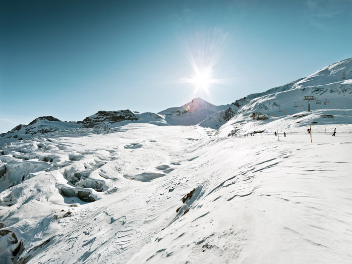 Energieeffizienz im Skigebiet: Saastal Bergbahnen AG und BKW engagieren sich für nachhaltigen Wintersport