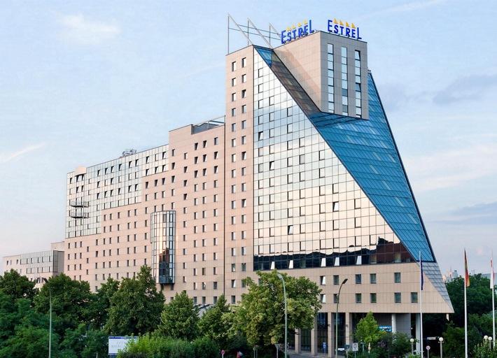 Estrel Berlin ist umsatzstärkstes Hotel / Deutschlands größtes Hotel erzielt mit 70,6 Mio. Euro Rekordumsatz und führt das Ranking der umsatzstärksten Einzelhotels an
