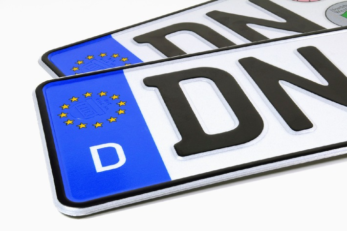 Wussten Sie eigentlich, dass Autofahrer ab dem 1. Januar 2015 bei einem Wohnortwechsel innerhalb Deutschlands ihr Kfz-Kennzeichen behalten dürfen?