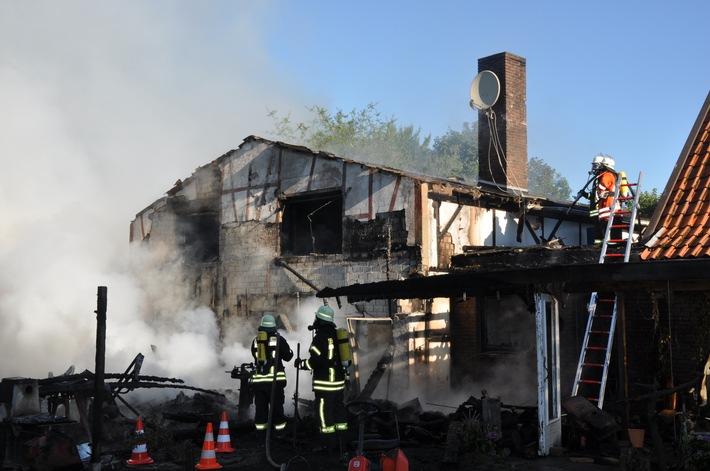 POL-CUX: Werkstatt abgebrannt - Hund weckt Bewohner