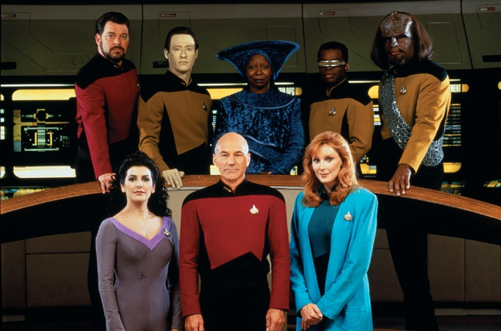 """'Trekkie'-Held Patrick Stewart: """"Die Kapitänsbrücke der 'Enterprise' ist wie der englische Thron - nur wichtiger!"""" // Sci-Fi-Kultserie ab 2011 auf TELE 5: 'Star Trek - Das nächste Jahrhundert' (mit Bild)"""