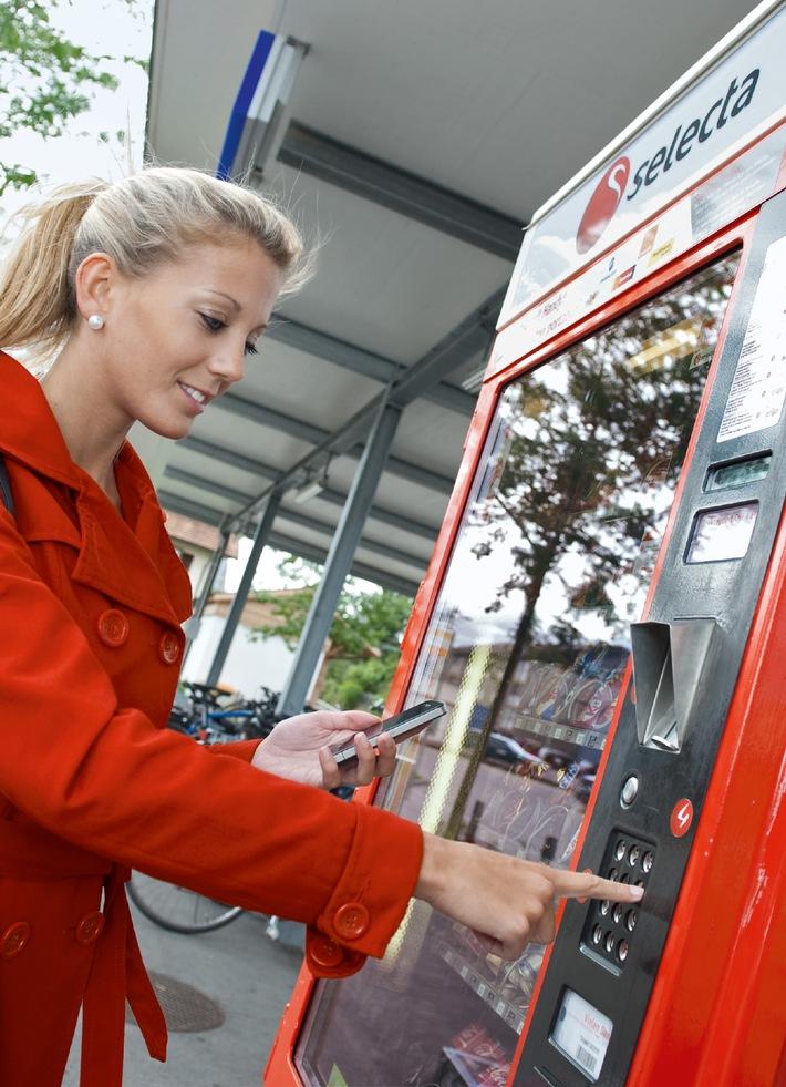 Dès le 1er octobre, acheter dans toute la Suisse avec le téléphone portable aux distributeurs Selecta