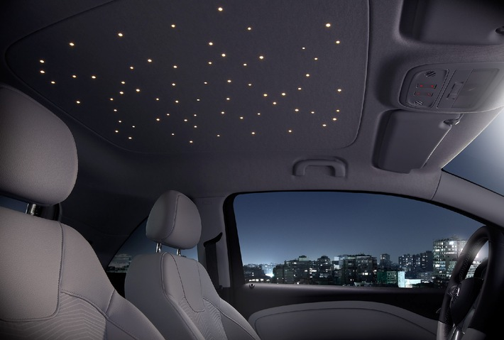 Innovative Headliner Features A Quot Planetarium Quot To Go