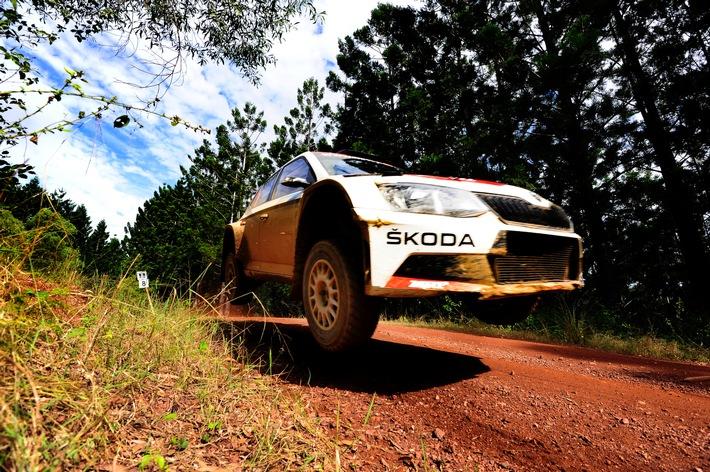 Kopecky tritt bei Heim-Rallye im schwarzen SKODA FABIA R5 an