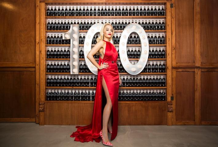 100 Jahre Coca-Cola Konturflasche / Die Stars gratulieren Coca-Cola zum Geburtstag einer Ikone