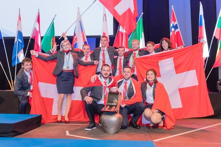 L'équipe de Suisse des métiers s'adjuge le titre / Sponsor général de la fondation SwissSkills, Debrunner Acifer félicite