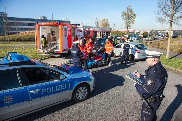POL-REK: Schwerverletzter Motorradfahrer - Bedburg