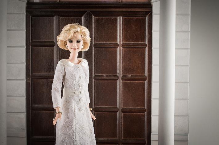 Eigene One of a Kind Barbie für Liz Mohn / Liz Mohn erhält ihr eigenes Barbie-Unikat für ein vorbildliches, engagiertes Leben