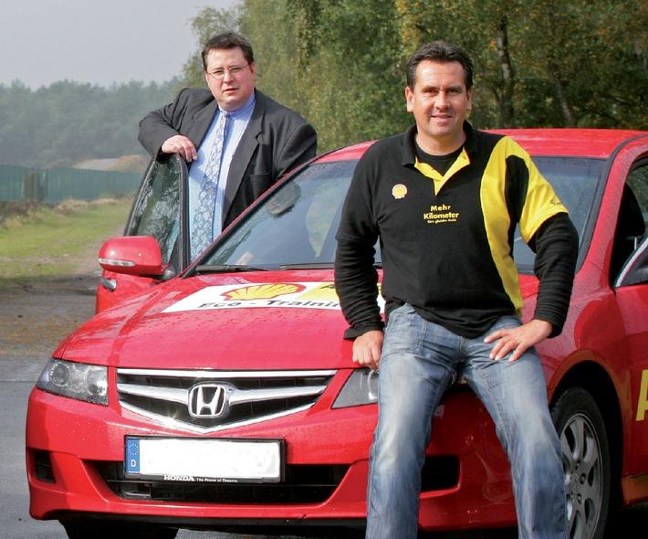 Start der Shell Eco Challenge  / Jeder kann sparen: Shell sucht clevere Autofahrer