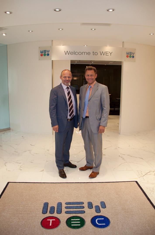 Wey Gruppe eröffnet grössten Showroom der Schweiz für Börsenhandelsplätze und Kontrollräume