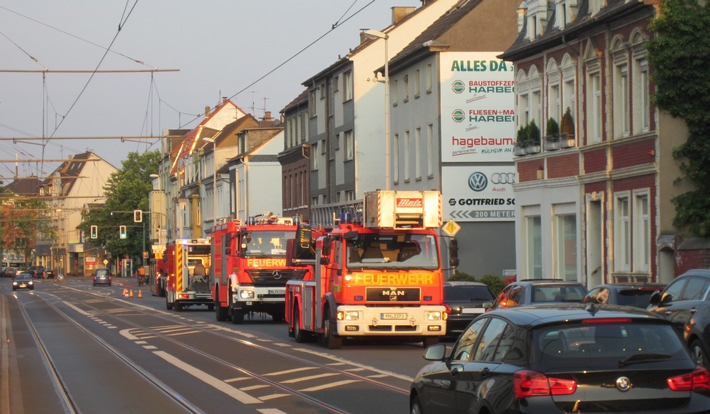 FW-MH: LPG Gas Behälter verursacht Feuerwehreinsatz #fwmh