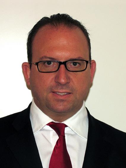 Banca del Gottardo - CURRICULUM VITAE Rolf W. Aeberli et Philipp D. Hoch-Ponte