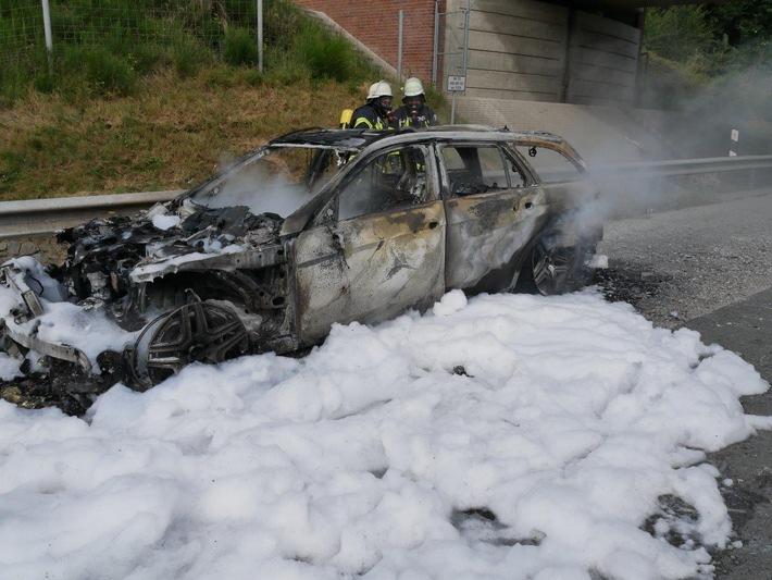 Ausgebrannter Mercedes