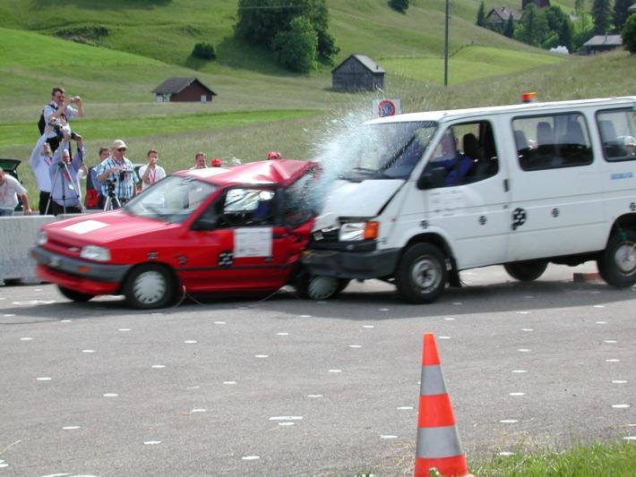 Crashtests 2015 / Kleintransporter - Risiken mitgeliefert