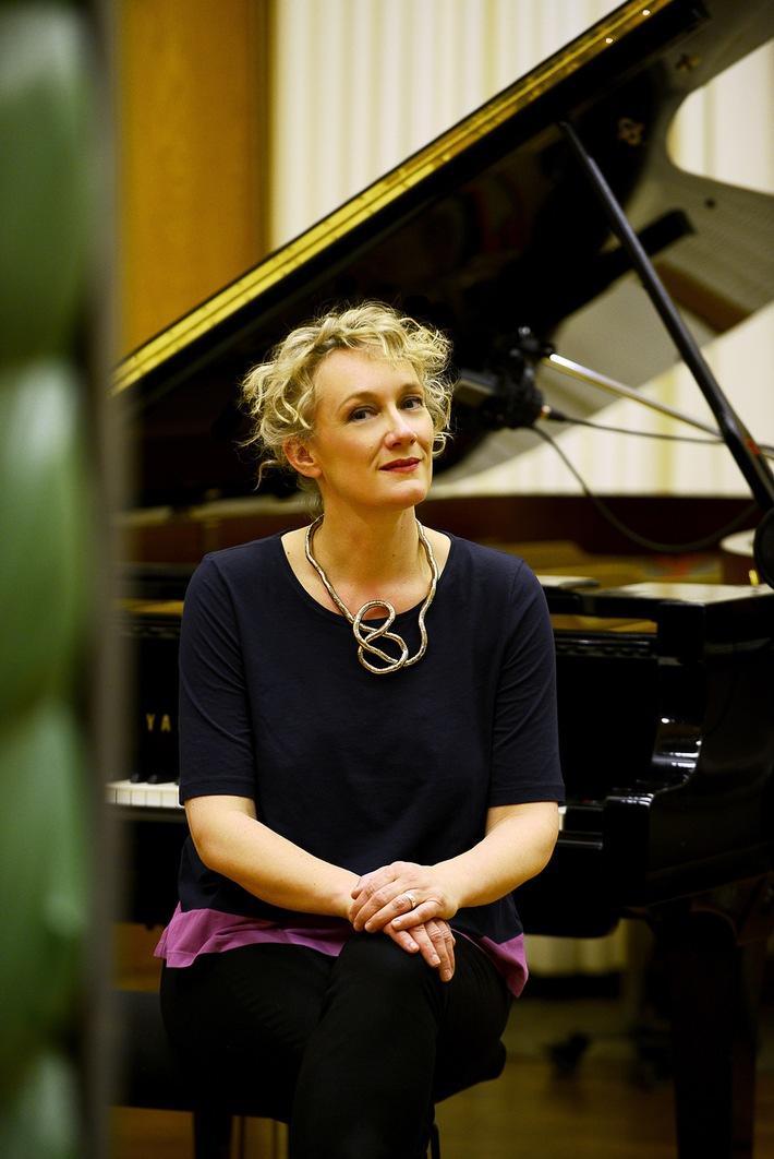 SWR-Jazzpreis 2016 für Julia Hülsmann / Pianistin aus Berlin erhält den mit 15.000 Euro dotierten renommiertesten Jazzpreis Deutschlands / Verleihung mit Konzert im Oktober in Ludwigshafen