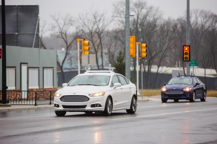 Ford verdreifacht Flotte autonomer Entwicklungs-Fahrzeuge, Sensor- und Software-Tests werden erweitert