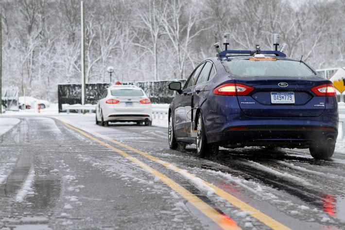 Ford forciert als erster Hersteller die Entwicklung autonom fahrender Autos mit Testfahrten im Schnee