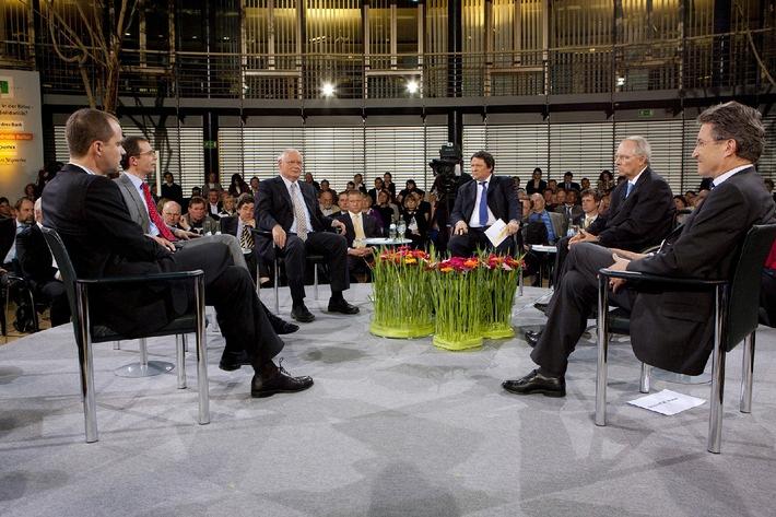 """FORUM PARISER PLATZ """"Deutschland in der Krise - Ende der Solidarität?"""", PHOENIX-Programmhinweis für Sonntag, 17. Mai 2009, 13 Uhr und 22.30 Uhr"""