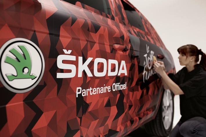 SKODA KODIAQ führt Fahrerfeld der Tour de France über die Ziellinie