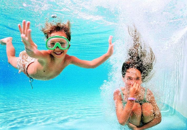 Neu: allsun hotels kooperiert mit Schwimmschule Sharky / Kurse für Kinder auf Mallorca, Fuerteventura, Kos und Rhodos