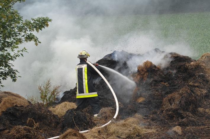 FW-E: 40 brennende Strohballen in Heidhausen