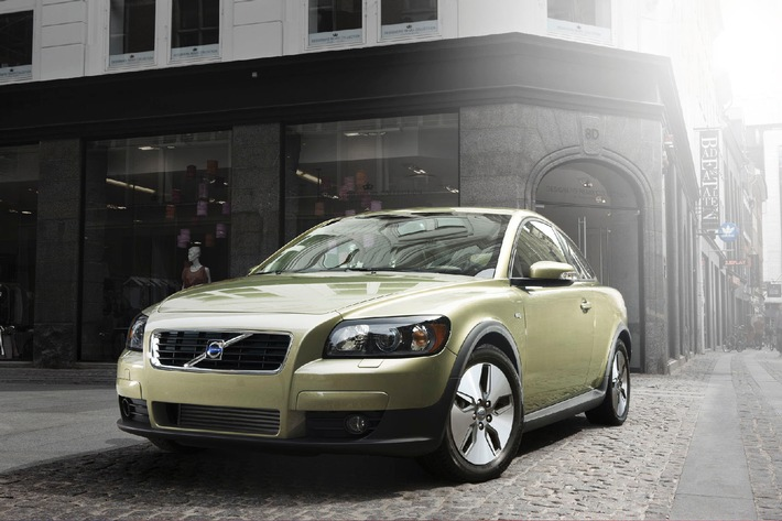 Les nouvelles Volvo C30, Volvo V50 et Volvo S40 1.6D DRIVe - avec des émissions de CO2 comprises entre 115 et 118 g/km