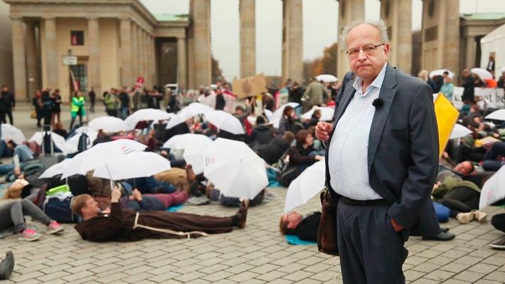 """Reichtumsforscher beanstandet Forschungslücken Potsdamer Soziologe: """"Wir haben keine Daten."""" / DPWV-Geschäftsführer Ulrich Schneider wirft Andrea Nahles vor, den Armutsbegriff """"klein zu raspeln"""""""