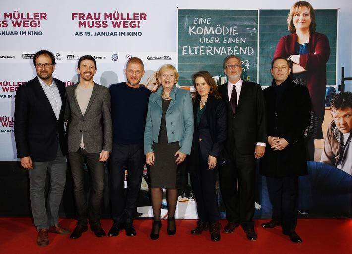Sönke Wortmanns neue Komödie FRAU MÜLLER MUSS WEG feiert Premiere in Köln