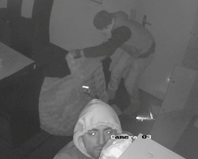 POL-H: Öffentlichkeitsfahndung mit Fotos! Garbsen: Polizei sucht mutmaßliche Einbrecher
