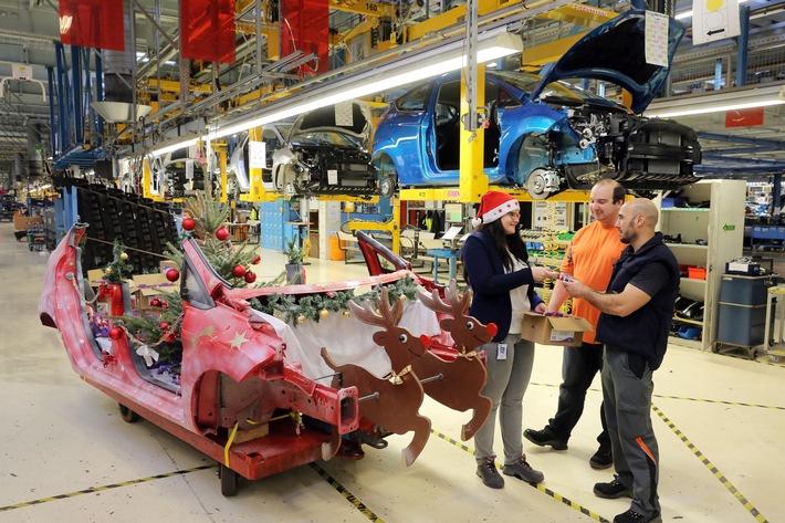 Hei�er Ford Fiesta-Schlitten: Weihnachtsaktion in der Fahrzeugfertigung von Ford in Köln
