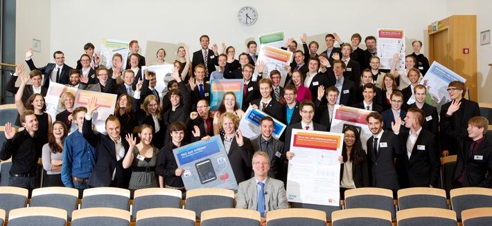 Informatik: 14 IT-Innovationen von Bachelorstudenten des Hasso-Plattner-Instituts entwickelt - Kurzweilige Wissens-Show bei Podium am Montag