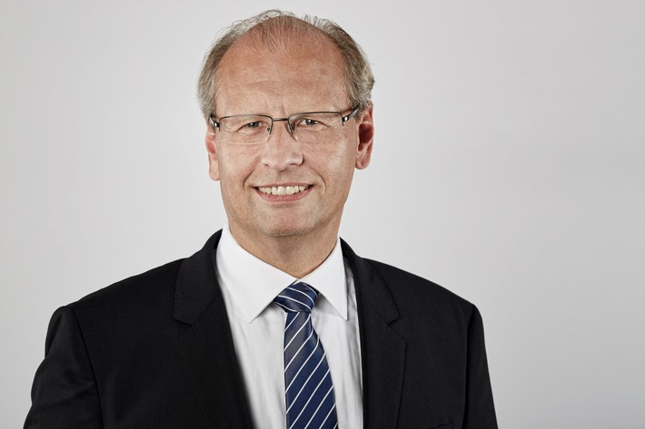 Zurich vereinfacht Unternehmensorganisation / Leben und Nicht-Leben Geschäftsbereiche werden zusammengeführt