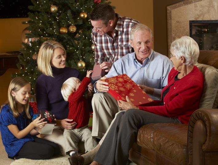Internationale Familien-Umfrage: Zwei Drittel erwarten Familienstreitigkeiten zu Weihnachten - 84 Prozent der Familien möchten dennoch die Feiertage gemeinsam verbringen