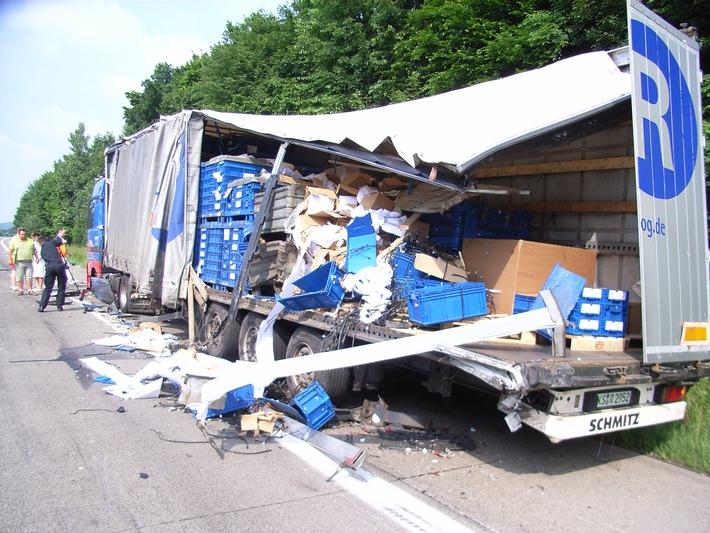 POL-HI: Schwerer Lkw-Unfall auf der Autobahn bei Bockenem Wie durch ein Wunder wurde niemand verletzt