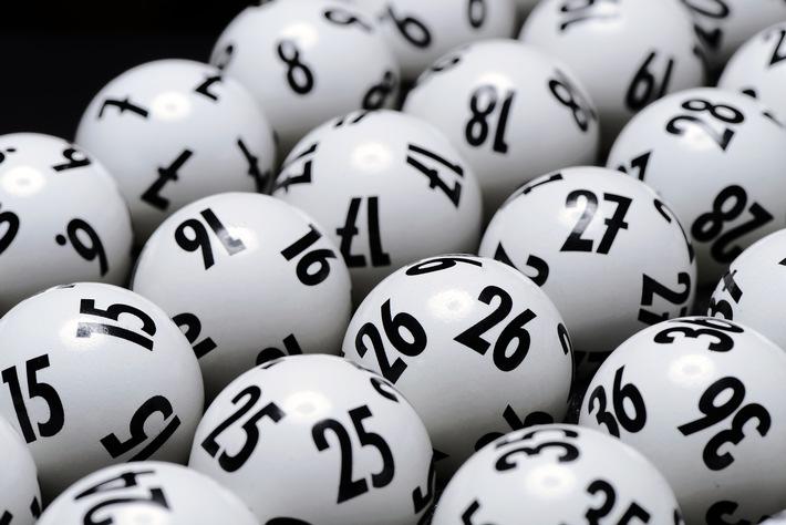 Illegale Zweitlotterien im Internet - Staatliche Toto-Lotto GmbH Baden-Württemberg informiert / Bei der Samstagsziehung rund 19 Millionen Euro im Jackpot