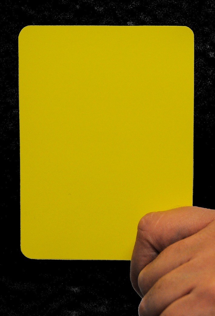 Gelbe Karte (Symbolbild)
