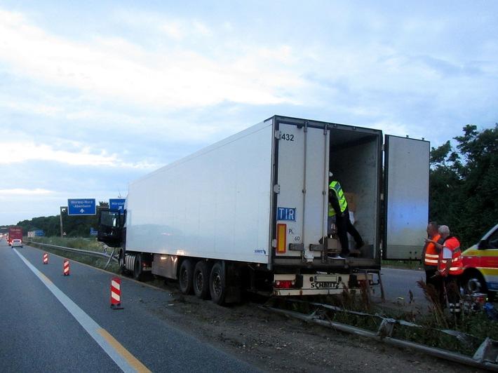 POL-VDMZ: Langer Stau durch Lkw-Unfall