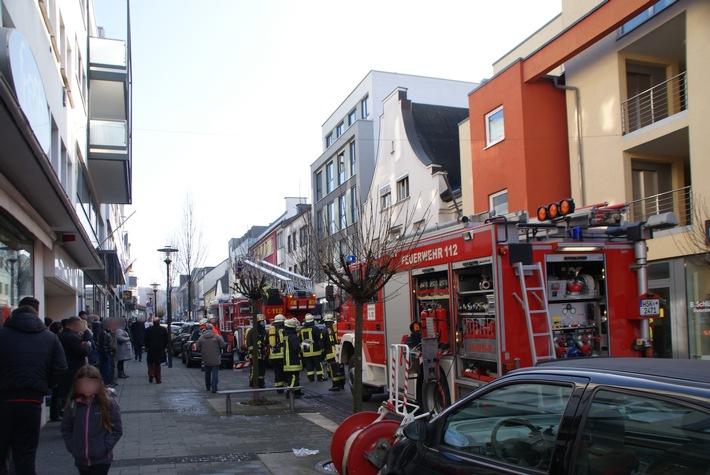 FW-AR: Keine Verletzten bei Wohnungsbrand in Arnsberg-Neheim