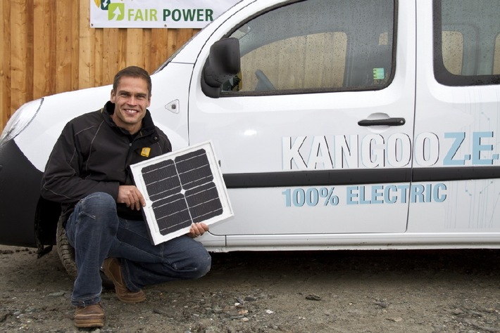 Renault achète de l'électricité photovoltaïque à Renzo Blumenthal: L'ex Mister Suisse livre du courant écologique destiné aux véhicules électriques de Renault