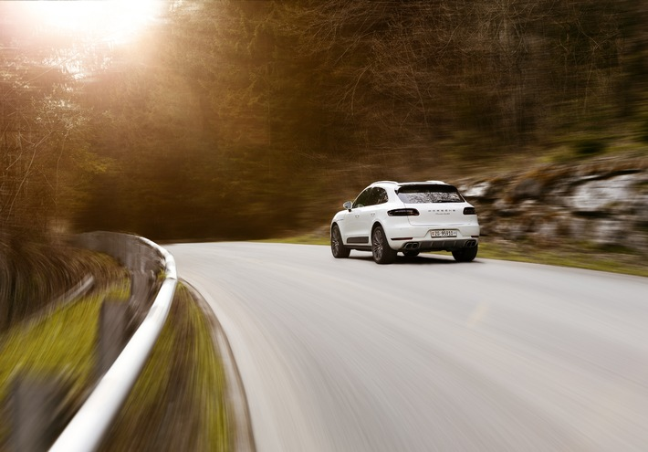 Porsche Schweiz steigert Auslieferungen gegenüber Vorjahr um 29 Prozent / Porsche Macan trägt deutlich zum Wachstum bei