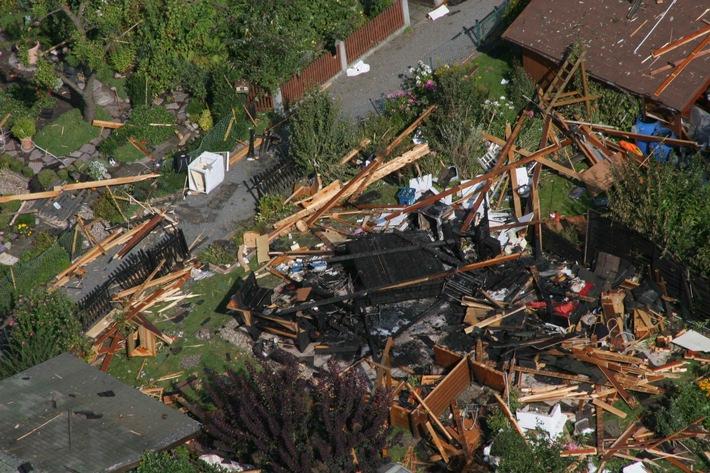 POL-F: 070812 - 0937  Höchst: Nachtrag zum Polizeibericht Nr. 934 vom 12.08.2007 - Explosion eines Gartenhauses