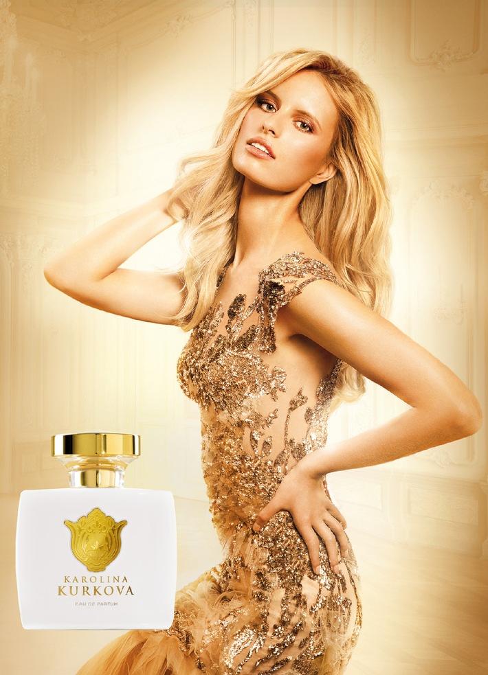 Exklusive Zusammenarbeit: LR Health & Beauty Systems schließt Dreijahresvertrag mit Top-Model Karolina Kurkova / Internationale Duft Vermarktung startet ab Januar 2013