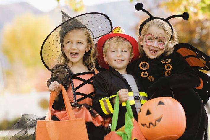 Süßes oder Saures: Sicher feiern an Halloween und St. Martin