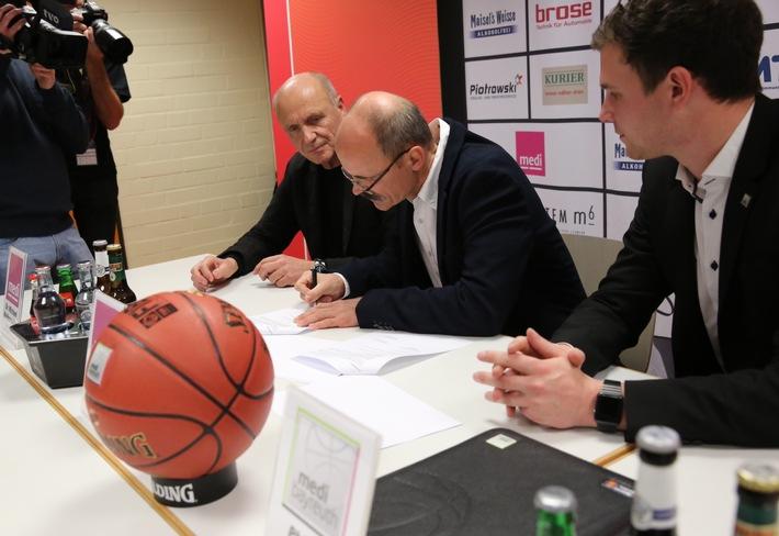 medi macht weiter Basketball: medi verlängert Engagement bei medi bayreuth