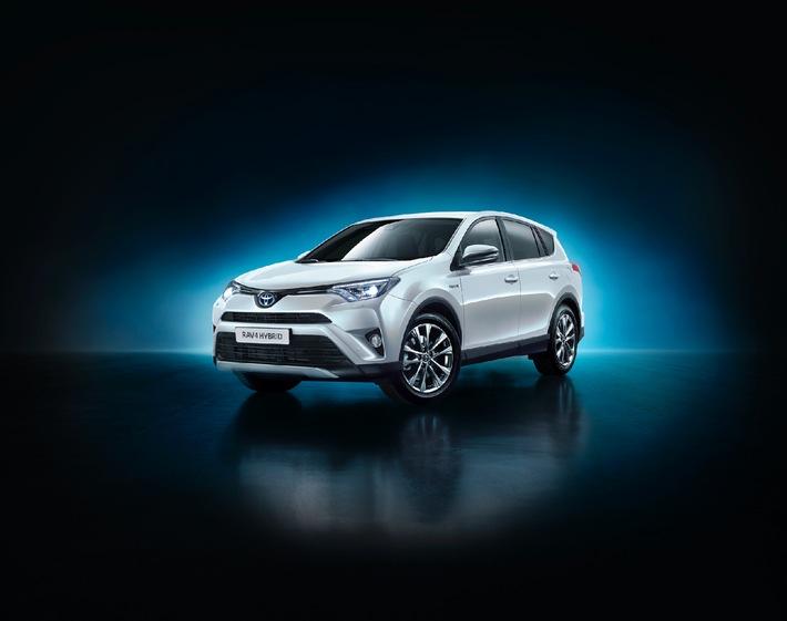 Toyota svela il nuovo RAV4 4x4 Hybrid