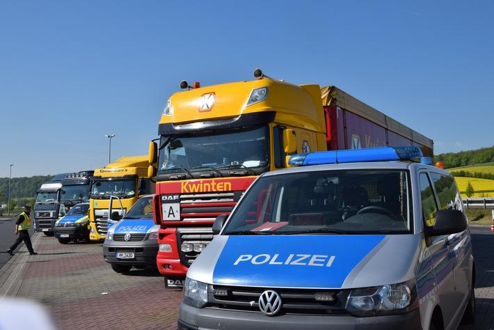 Lkw Kontrollen auf dem Parkplatz A7 Leineholz Ost