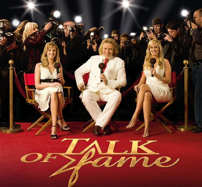 Hand in Hand mit Johnny Depp  Kein Scherz: Die Tele 5-Frühjahrskampagne TALK OF FAME kommt aus Hollywood und startet am 1. April  Mit Thomas Gottschalk, Christina Schulte und Bettina von Schimmelmann