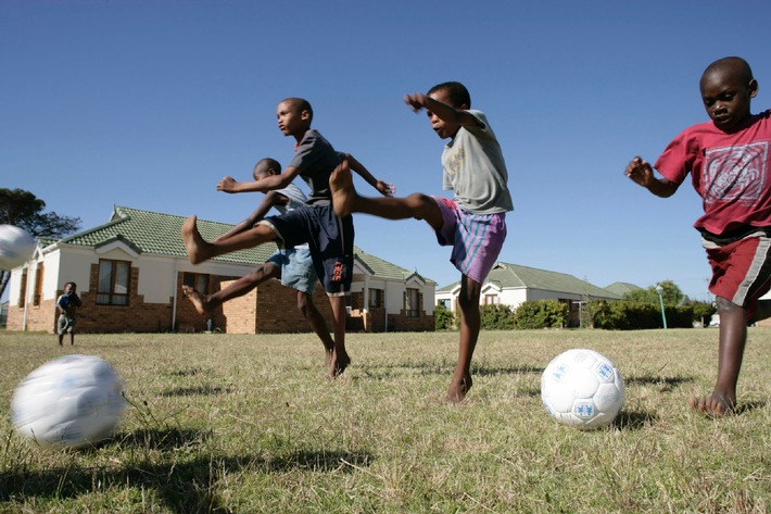 SOS-Kinderdörfer für bestes PR-Bild des Jahres 2006 geehrt