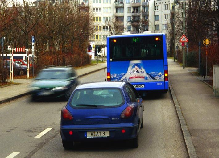 motorwelt - das ADAC-Fernsehmagazin / Busse überholen - aber bitte richtig